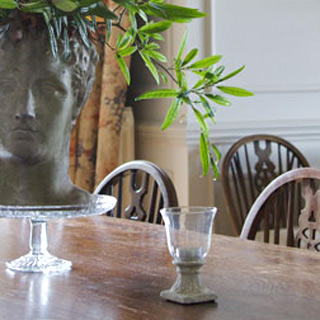 Dining table head